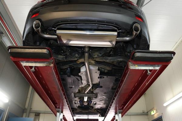 Escape homologado ITV Mazda 3 BM 2013- con motores diesel y gasolina montado